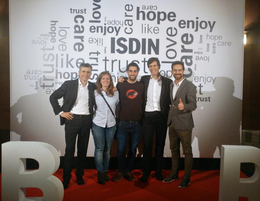El equipo Lacadena con los jefes de ISDIN - Más majos que las pesetas